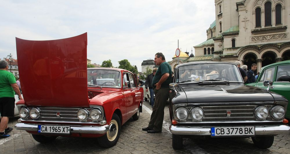 https://m.netinfo.bg/media/images/33325/33325194/orig-orig-retro-parad-avtomobili.jpg