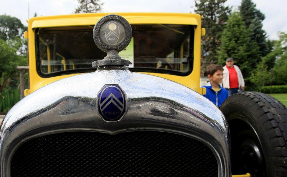 https://m.netinfo.bg/media/images/33325/33325200/orig-orig-retro-parad-avtomobili.jpg
