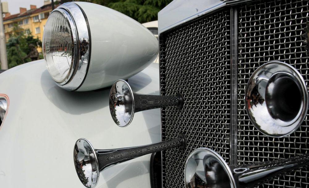 https://m.netinfo.bg/media/images/33325/33325206/orig-orig-retro-parad-avtomobili.jpg