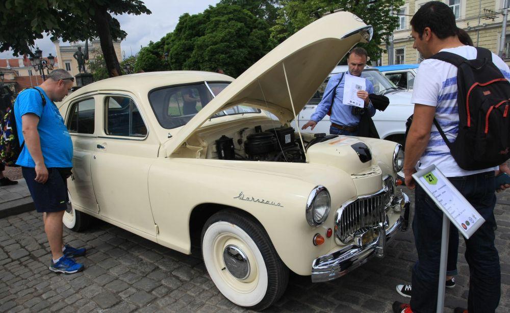https://m.netinfo.bg/media/images/33325/33325215/orig-orig-retro-parad-avtomobili.jpg