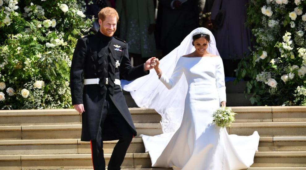 Кралското семейство благодари на всички, празнували сватбата (СНИМКИ)