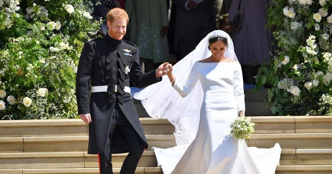 От двореца Кенсингтън публикуваха снимки на скиците на сватбената рокля