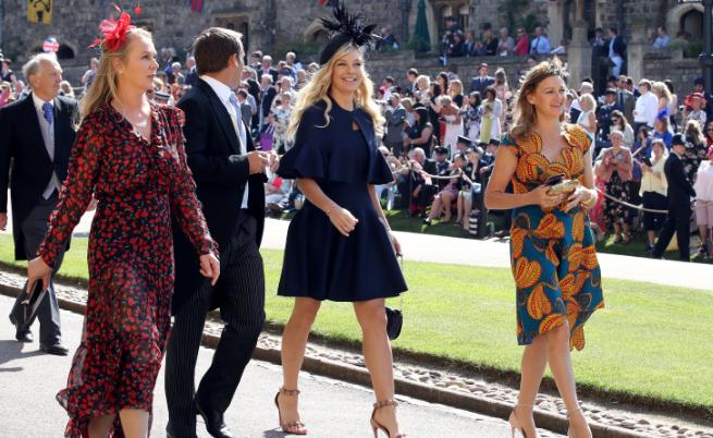 Сред поканените бе бившата голяма любов на принц Хари - южноафриканката Челси Дейви. Двамата имат дългогодишна бурна връзка, която на няколко пъти прекратяват и започват отначало, докато не се разделят окончателно през 2011 г. Въпреки това Хари покани Дейви на сватбата на брат си същата година, а много британци бяха увечерени, че това ще е съпругата на по-малкия внук на кралицата.