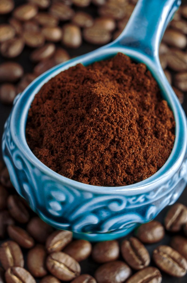 Кафето има важни свойства за понижаване на риска от чернодробни заболявания, работи и за нормализиране на кръвното налягане. Ароматната напитка действа тонизиращо и ободряващо, но е полезна, само ако се консумира с мярка. Експертите препоръчват едно до две кафета дневно, като е препоръчително да ги пиете без добавки като мляко, захар или други подсладители.