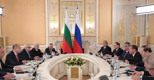 Румен Радев в Москва: Срещата с Медведев е пробив Последната