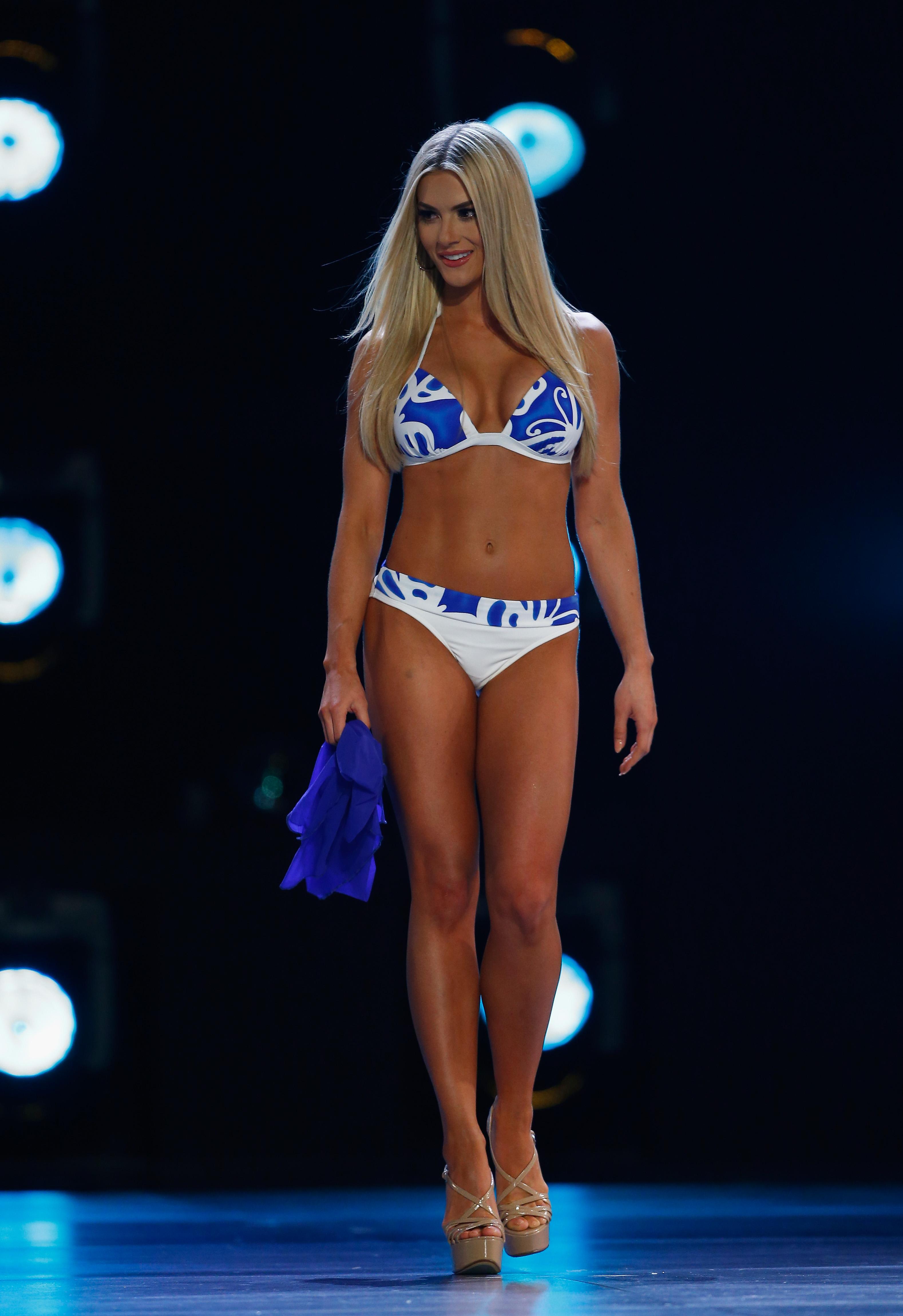"""Сара Роуз Съмърс, 23-годишната представителка на щата Небраска, е новата """"Мис САЩ"""". Шестдесет и седмото издание на конкурса беше организирано в Шривпорт, щата Луизиана."""