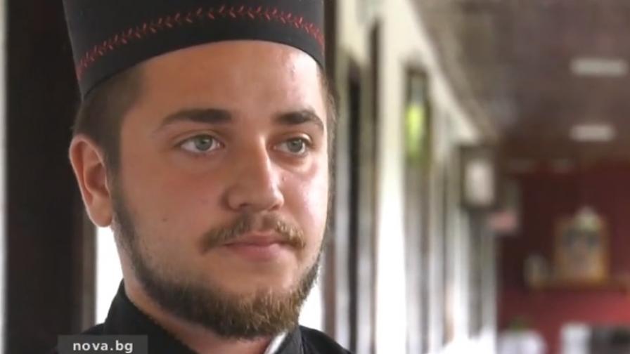 Най-младият игумен, карал пиян: Моля за прошка
