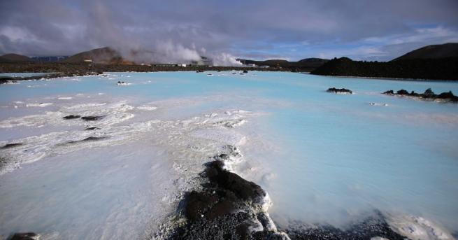 Исландия е красива страна с вулканичен пейзаж, разположена между Атлантическия