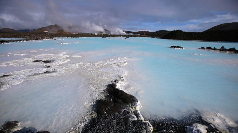 Синята лагуна - романтиката на остров Исландия (СНИМКИ/ВИДЕО)