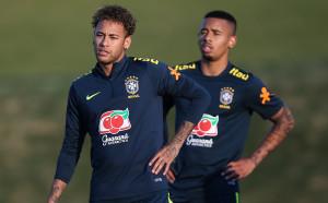 Бразилия изпробва страховито нападателно трио