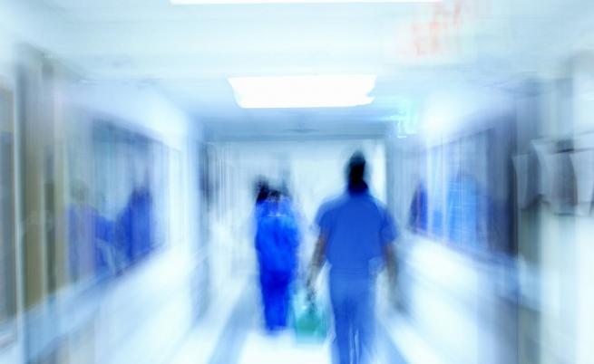 Лекари изнасяли медикаменти за онкоболни, вливали други разтвори