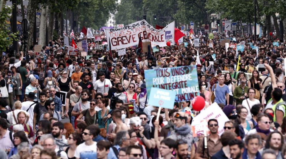 Радикалната левица поведе протести срещу президента Макрон в цяла Франция
