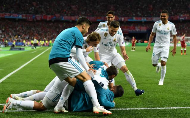 Реал Мадрид и Ливърпул играят при резултат 2:1във финала отШампионската