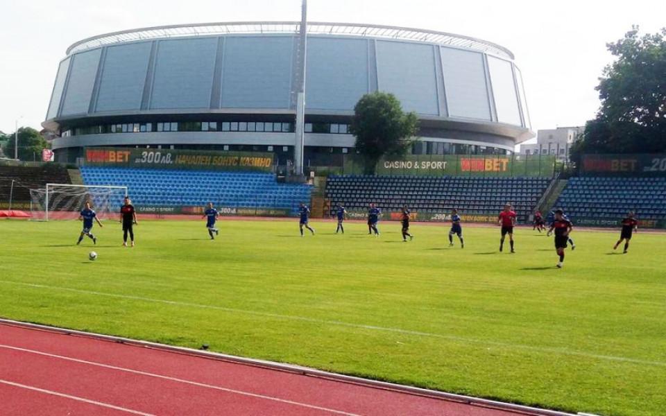 Локомотив Русе с ценен успех над Светкавица