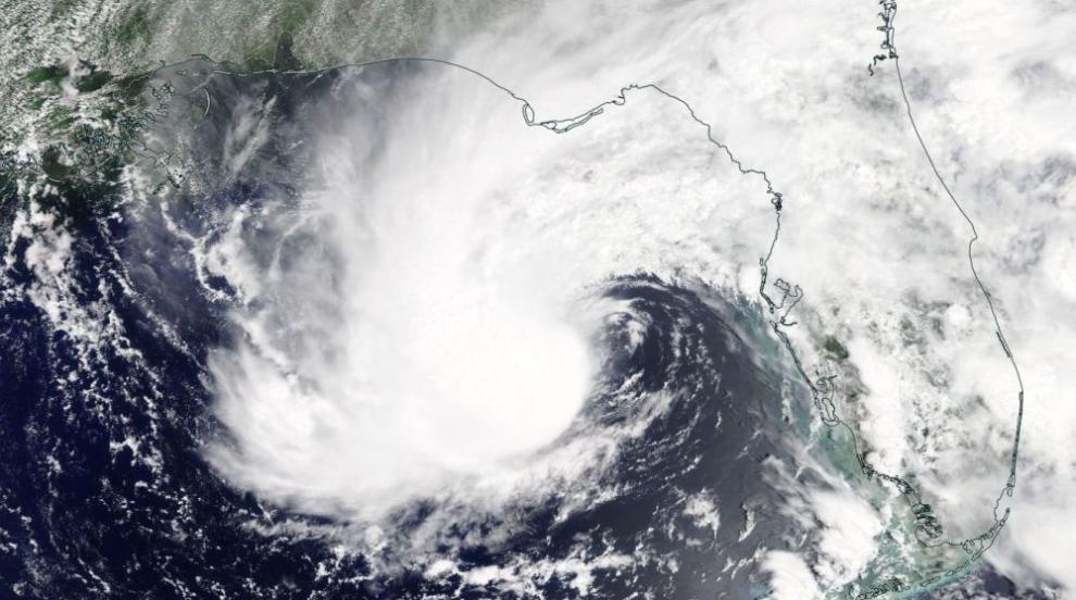 Хиляди евакуирани в САЩ и Куба заради бурята Алберто