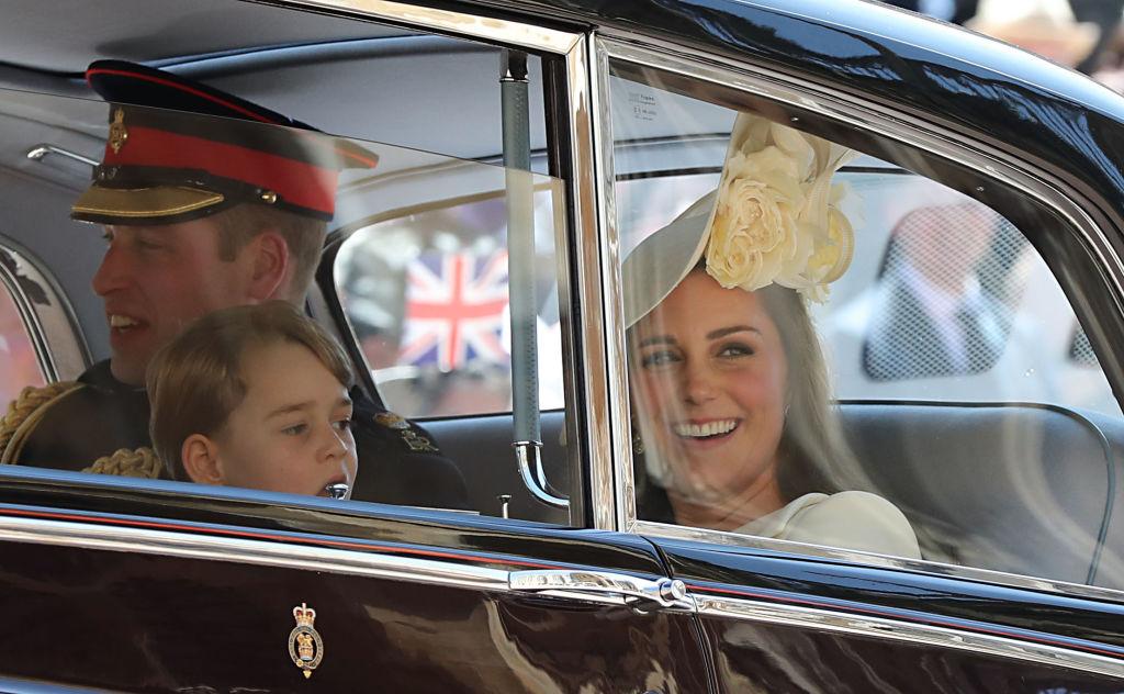 Принц Джордж заедно с майка си и баща си на сватбата на чичо си Хари