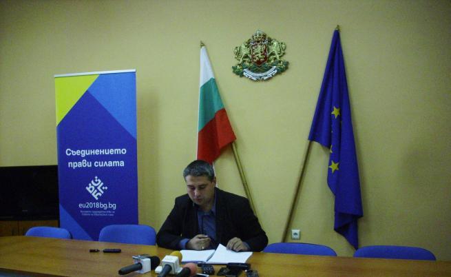 Областният управител на Добрич Красимир Кирилов информира за взетите мерки след установяването на птичи грип в животновъдна ферма в с.Стефаново
