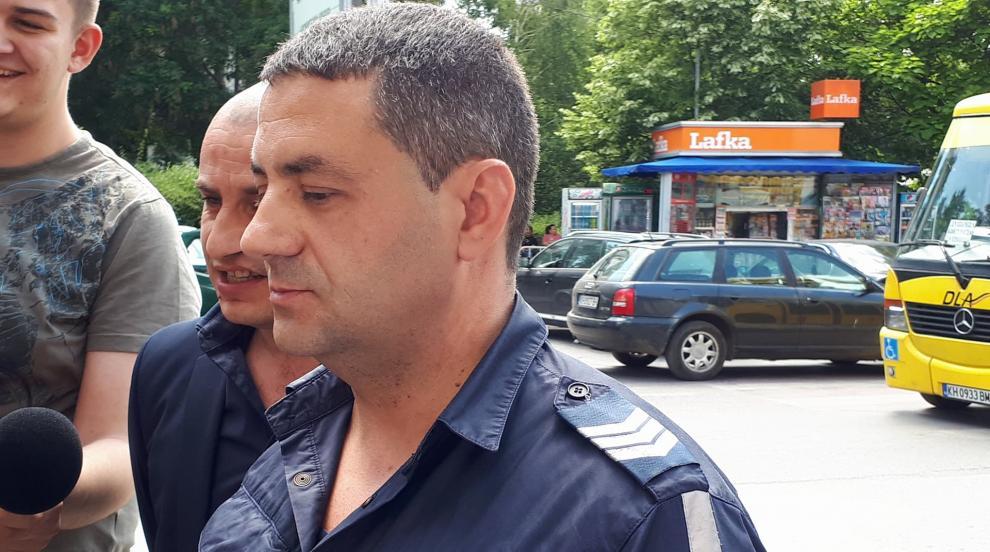Дупнишки полицай разказа как е бил нападнат от баща на абитуриент