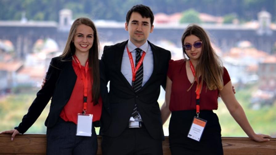 Бъдещите ни космически юристи с международен приз