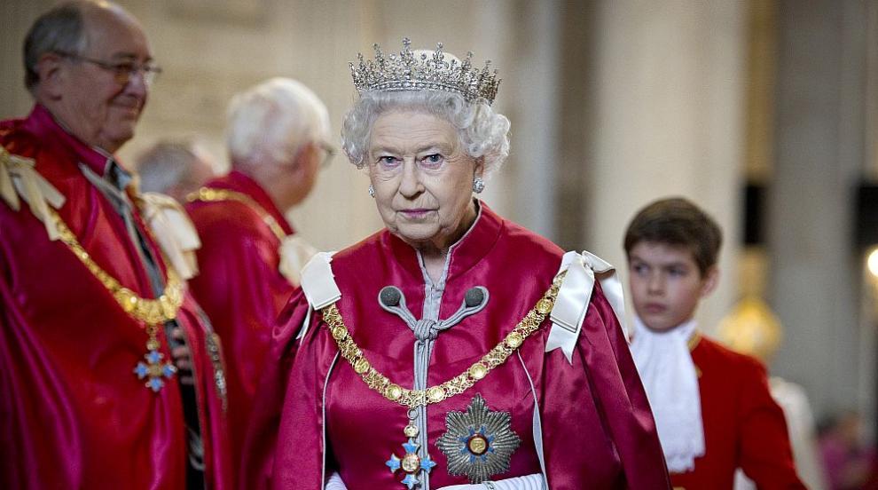 Тайни от кралския двор: Любопитни факти за коронацията на Елизабет Втора