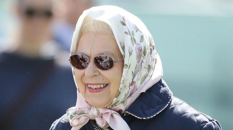 Кралицата претърпяла очна операция през май
