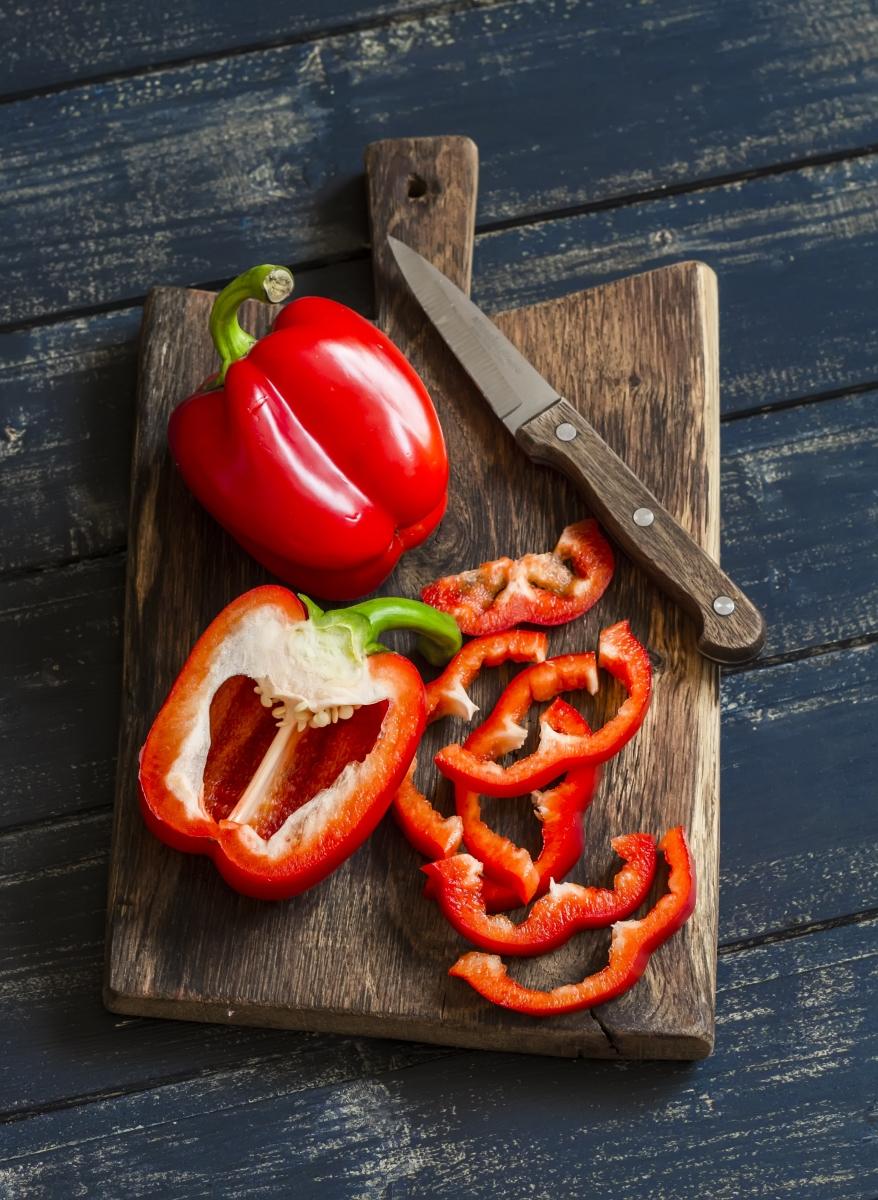 Червена чушка може да ви набави до 81милиграма от витамин С.