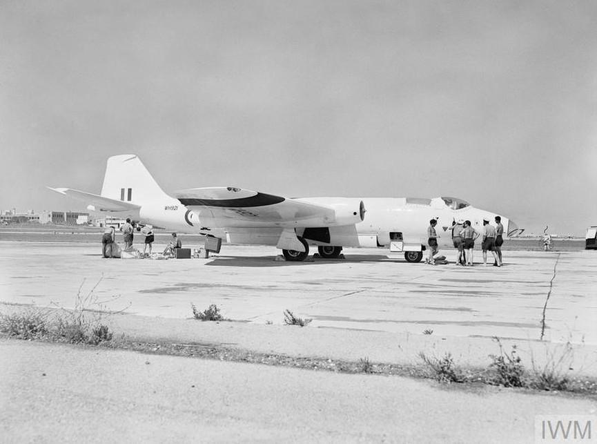 Първият безпилотен самолетCanberra U Mk 10. През 1961 г. е използван по време на британска мисия в Малта.