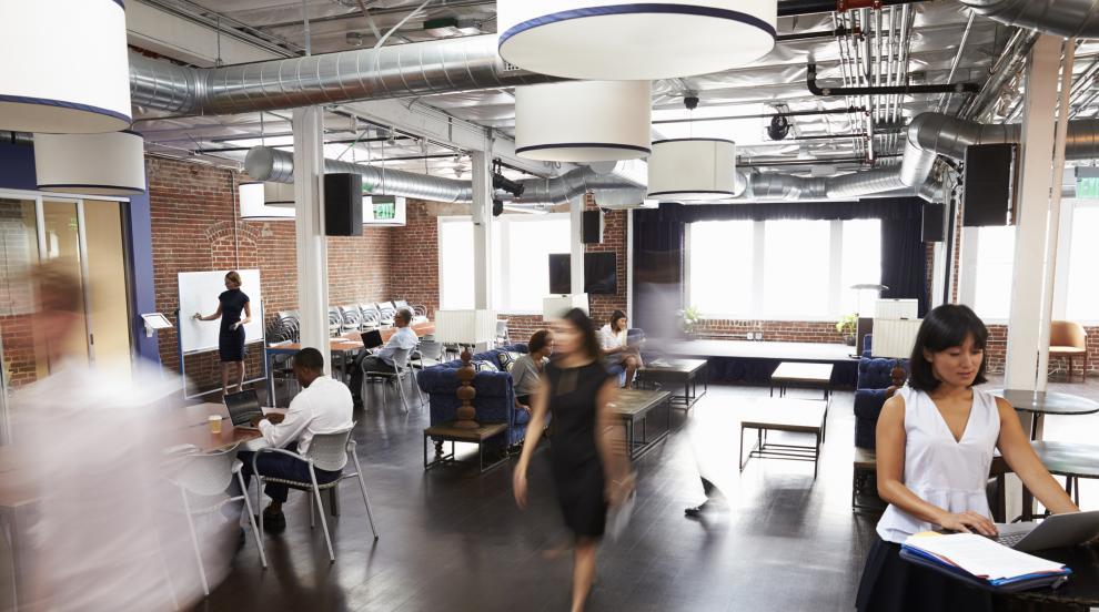 Оценка от шефа и похвали от клиентите правят служителите щастливи
