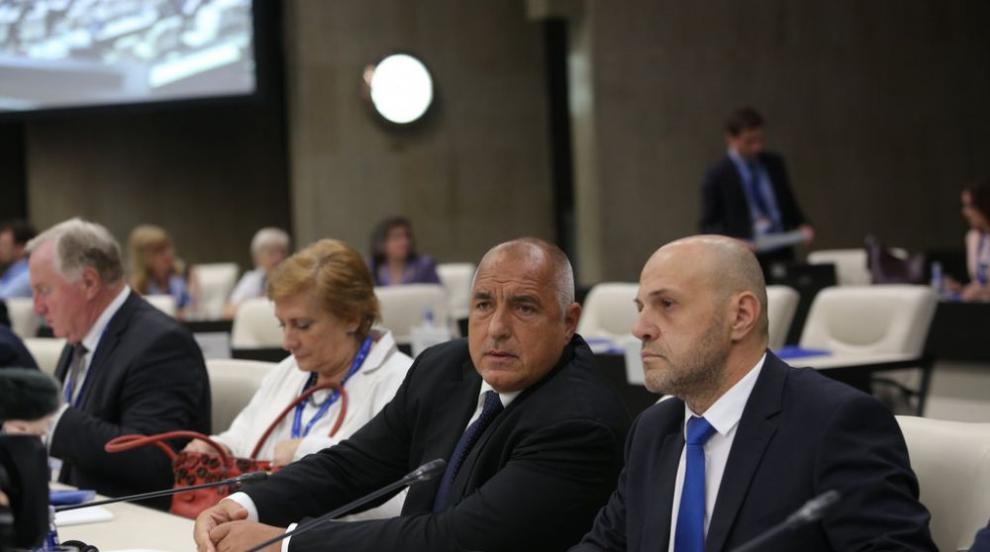 Борисов ще работи и с Covid-19, няма да го замества...