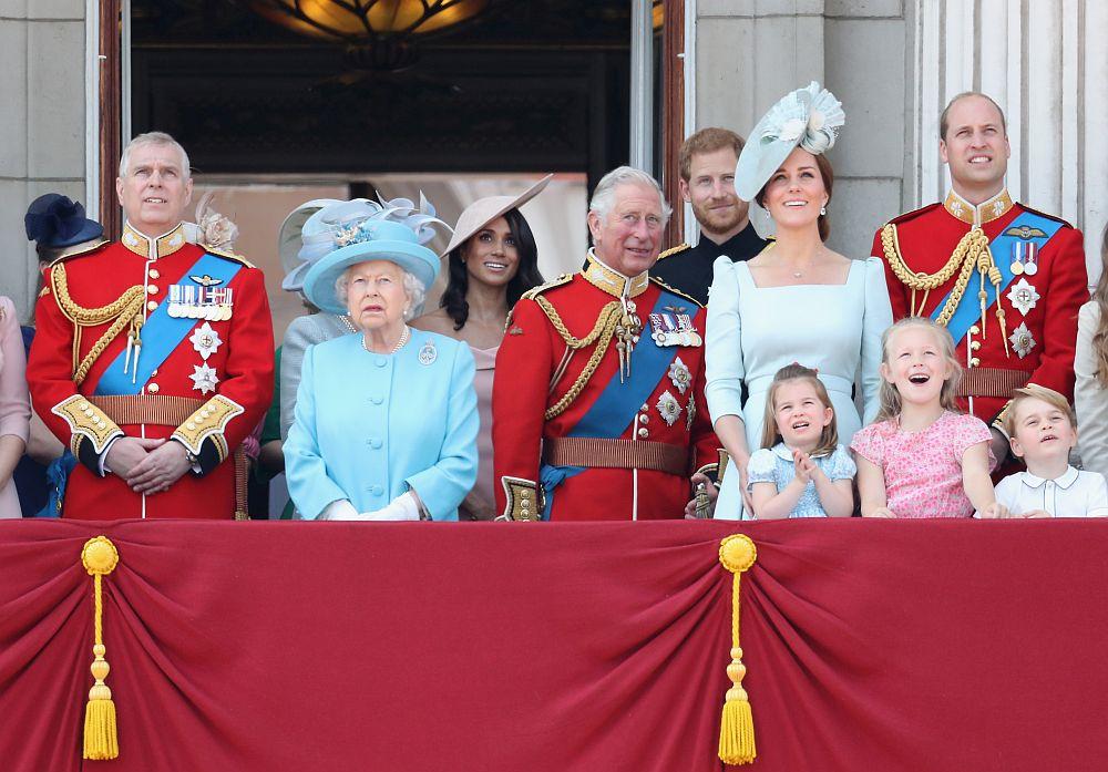 Парад в Лондон за рождения ден на кралица Елизабет Втора