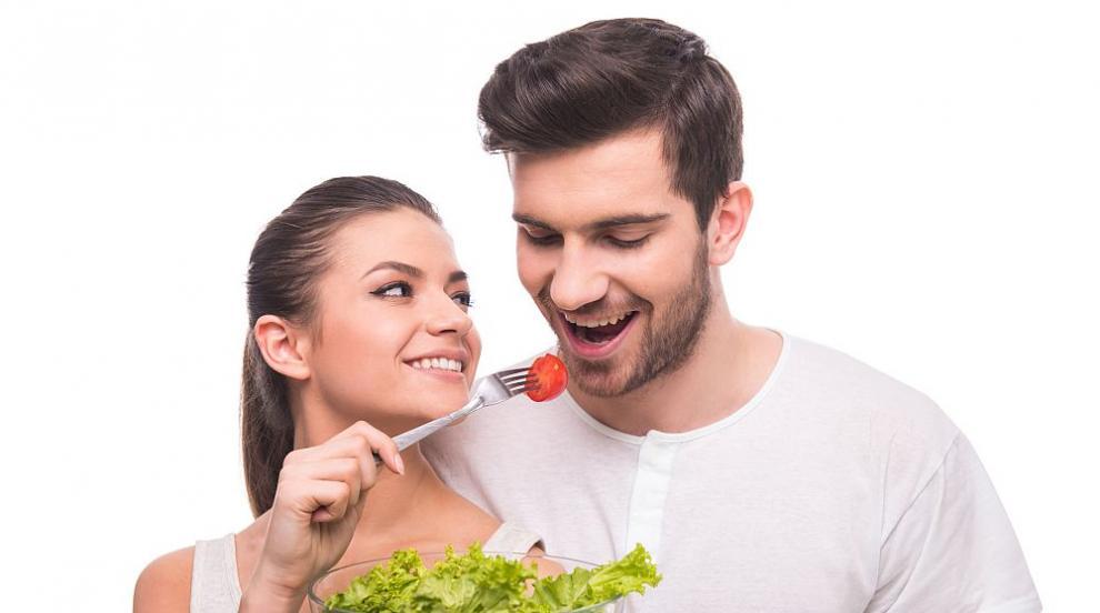 Младите хора предпочитат салатите пред секса?