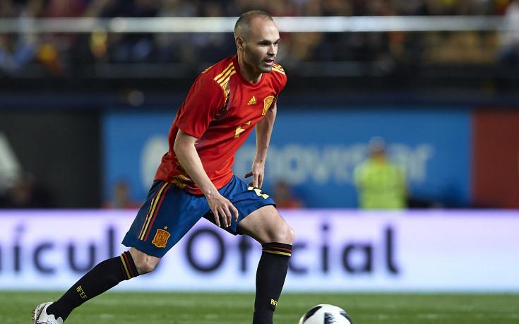 Иниеста вече е четвъртият футболист с най-много мачове за Испания