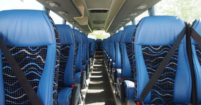 Автобусните превозвачи с предупредителен протест, не искат Автомобилна камара Автобусните