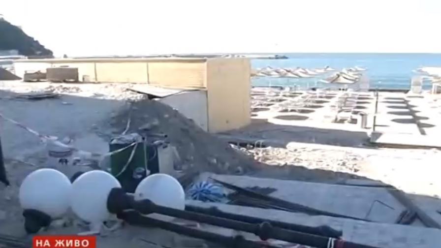 Скандал в Каварна: Забрана за строителство, а се строи