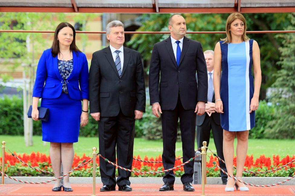 - На официално посещение в България е президентът на Република Македония Георге Иванов. Визитата е по покана на българския държавен глава Румен Радев...