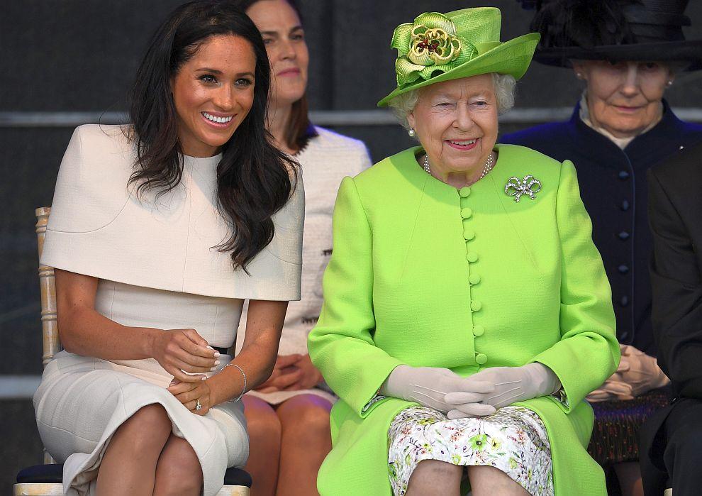 Кралица Елизабет Втора и херцогинята на Съсекс Меган в Чешър