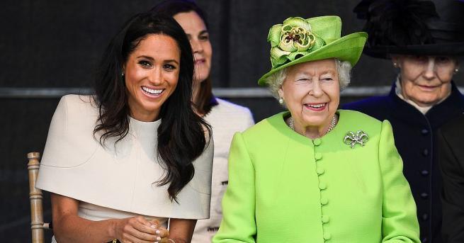 Британската кралицаЕлизабетВтора и херцогинята на Съсекс Меган бяха приветствани възторжено