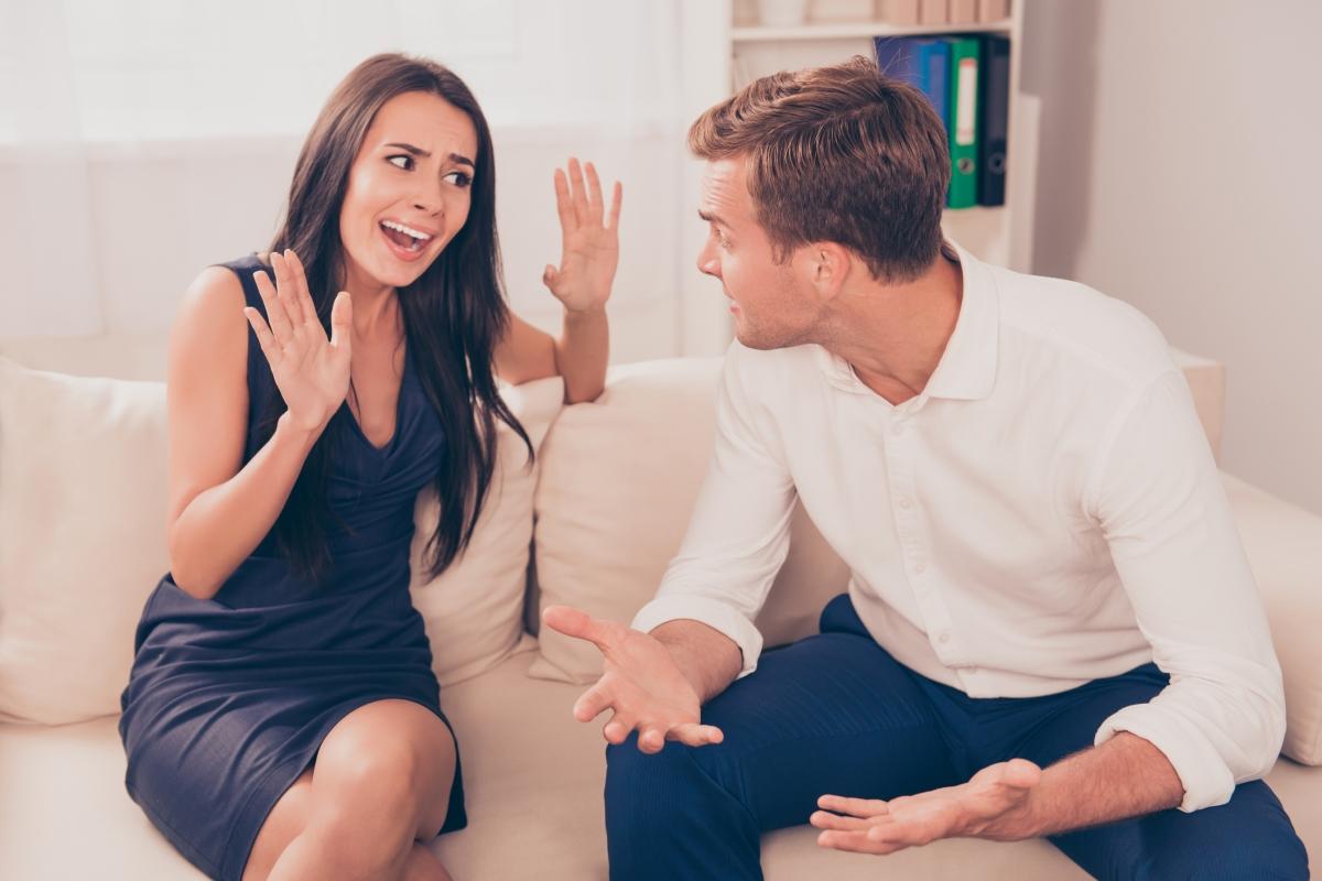 Не приемайте тактиката: най-добрата защита е нападението. Недейте да обвинявате партньора за вашите грешки. Да, за сложните ситуации винаги се искат двама, но осъзнайте докъде е вината на партньора и къде - вашата.