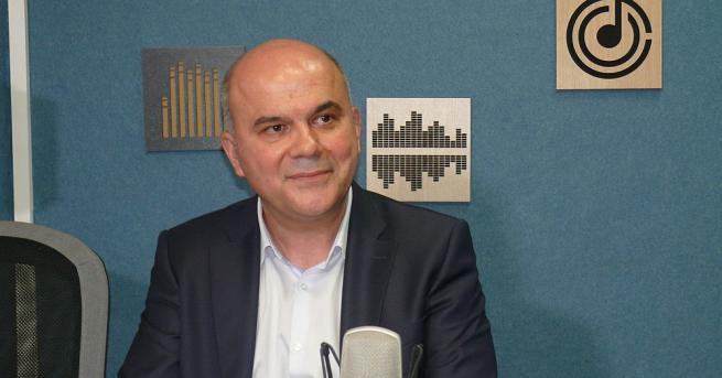 Министърът на труда и социалната политика Бисер Петков сподели, че