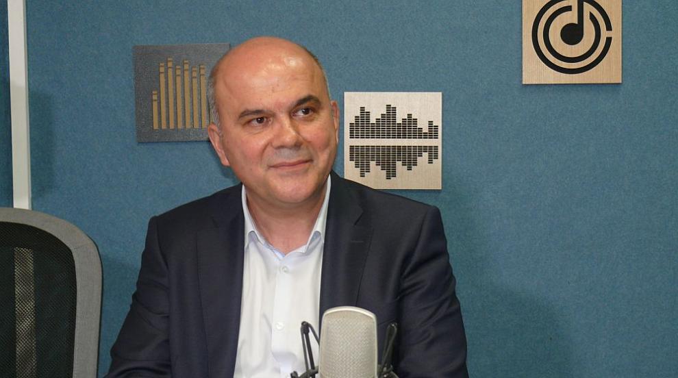 Петков: Оказа се, че е трудно да се оттеглиш от министерския пост дори...