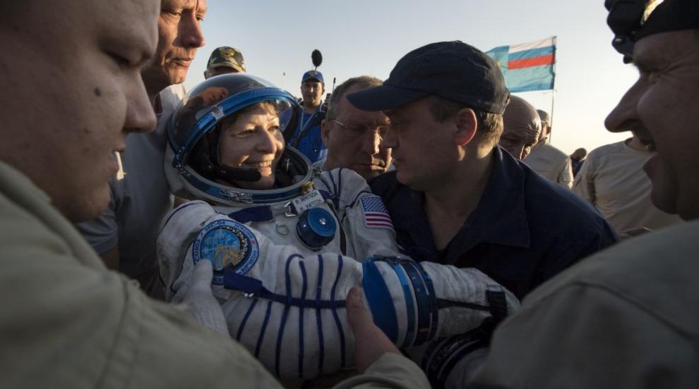 """""""Космическата нинджа"""" Пеги Уитсън - най-възрастната жена, летяла в Космоса"""