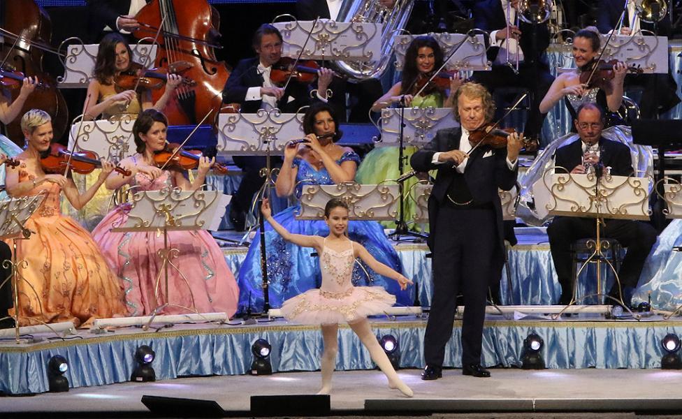 """- Световноизвестната звезда Andre Rieu за първи път в България """"Кралят на валса"""" – с впечатляващ концерт в """"Арена Армеец"""""""