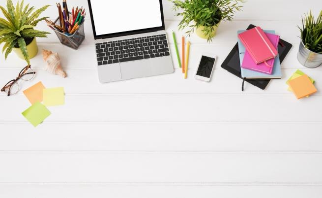 Задължително дръжте тези неща в бюрото си (СНИМКИ)