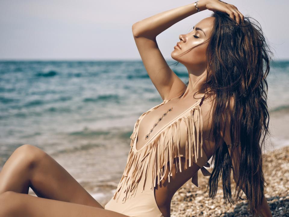 тен жена плаж лято загар