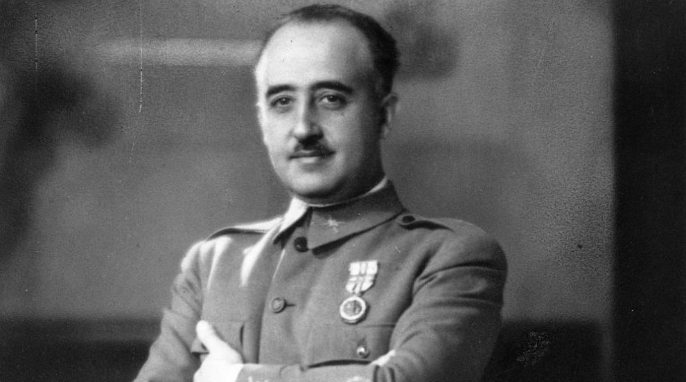Махат останките на диктатора Франсиско Франко от гробницата в Долината на...