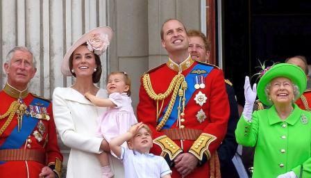 Шест кралски кръщенета – Елизабет Втора, Чарлз, Уилям, Хари, Джордж и Шар ...