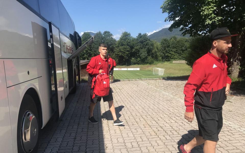 След 6 часа път ЦСКА пристигна в Австрия