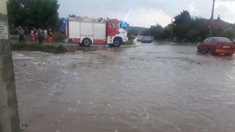 Порой и наводнение в монтанско село
