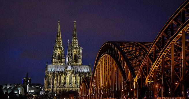 Катедралата в германския град Кьолн бе евакуирана заради подозрителна активност
