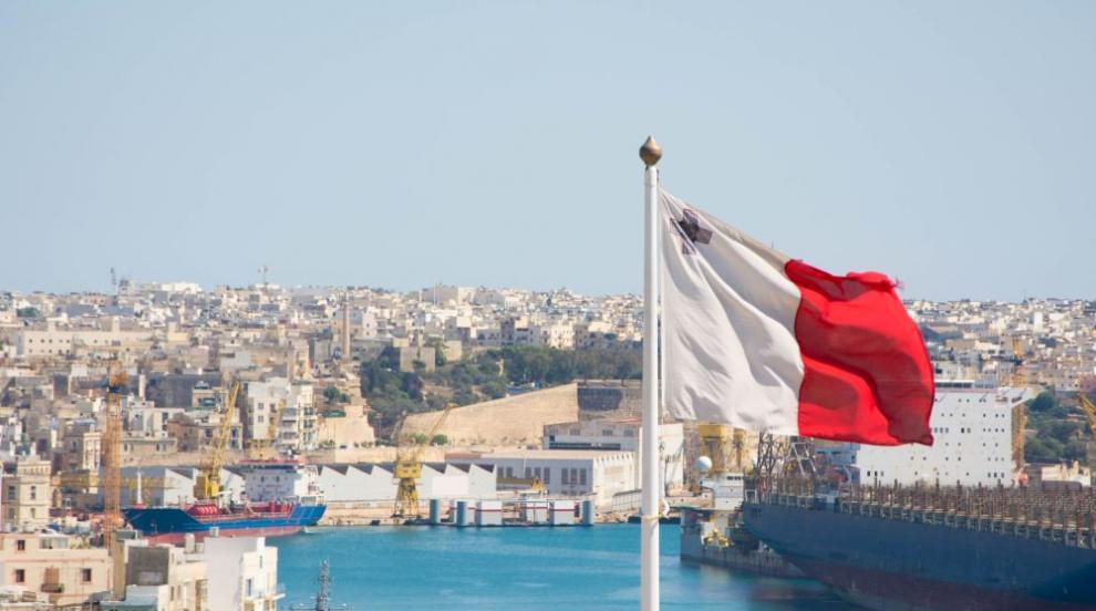 Малта отказа да поеме отговорността за отпратения от Италия нов кораб с...